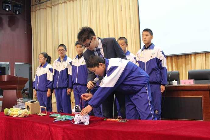 达坂城区科学实践课见行动,教育教学显活力